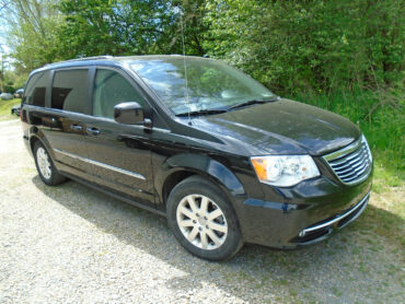 Mini Vans for rent at Penn Rentals - Chrysler Pacifica